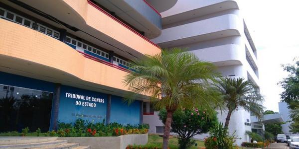 TCE-PI bloqueia contas de 10 prefeituras e 20 câmaras municipais