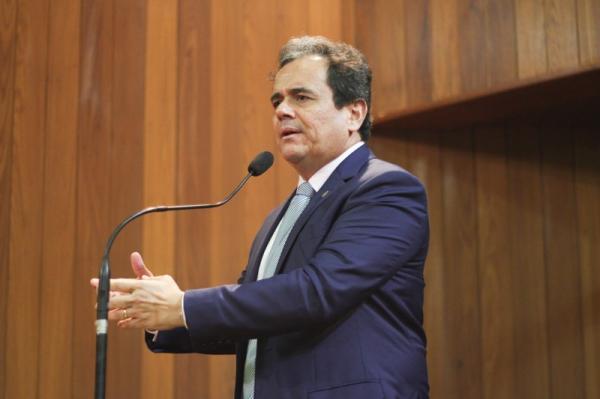 Henrique Pires quer construção de estádio de futebol em Gilbués