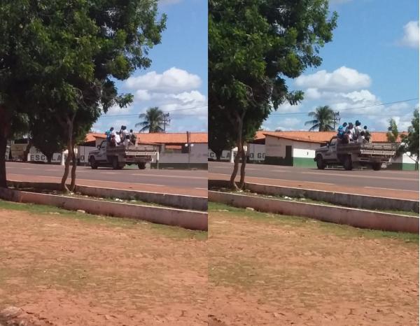São Gonçalo: Alunos são transportados em Paus-de-Arara