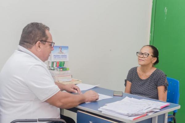 Prefeito Dr. Carlos promove ação voluntária no Hospital de Santa Filomena