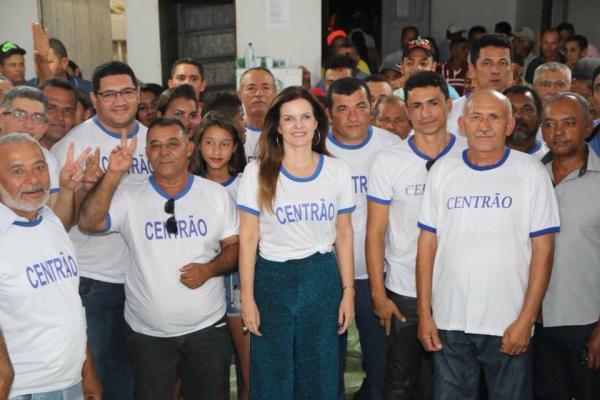 Grupo Centrão recebe Iracema Portella em Morro Cabeça no Tempo