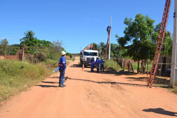 Prefeitura de Curimatá segue retirando 'gambiarras' da rede elétrica
