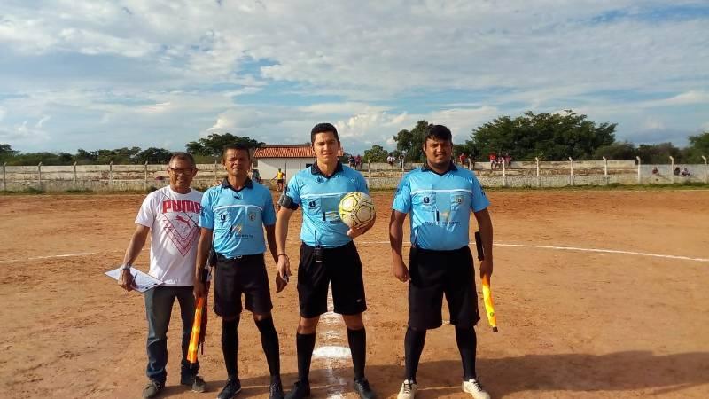 Dr. Macaxeira acompanha semifinais do Campeonato Municipal