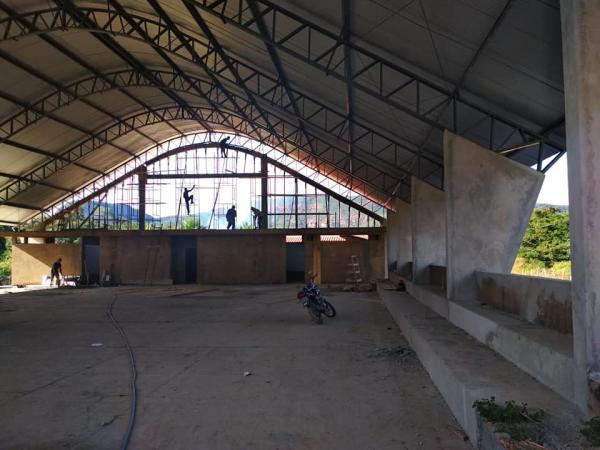 João da Cruz retoma obras do Ginásio Poliesportivo de Palmeira do Piauí