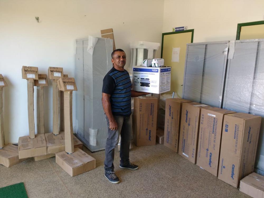 Saúde de Júlio Borges adquire equipamentos hospitalares e de informática