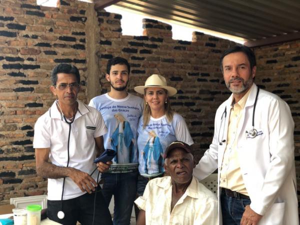 Médico realiza atendimento voluntário na zona Rural de Monte Alegre