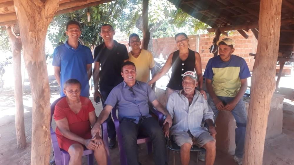 Raimundo Santos realiza sonho de esportistas Curralenses