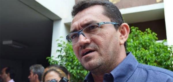 Juiz cassa prefeito e vice-prefeito de Picos por abuso de poder econômico