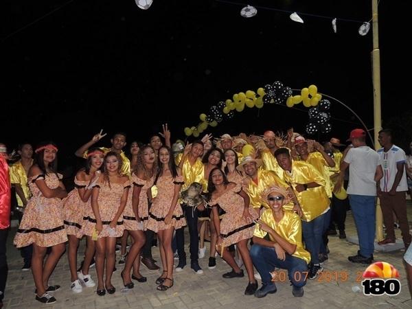 Coletivo Reaviva realizou o 1º Arraiá Julino em Eliseu Martins