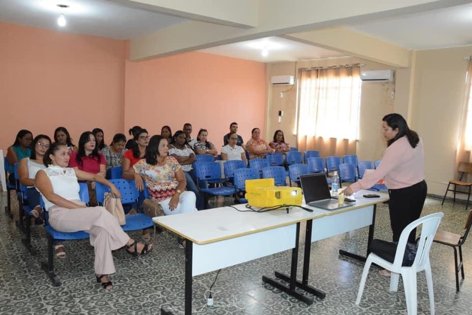 Volta às aulas: 'Semana Pedagógica' capacita professores em Bom Jesus
