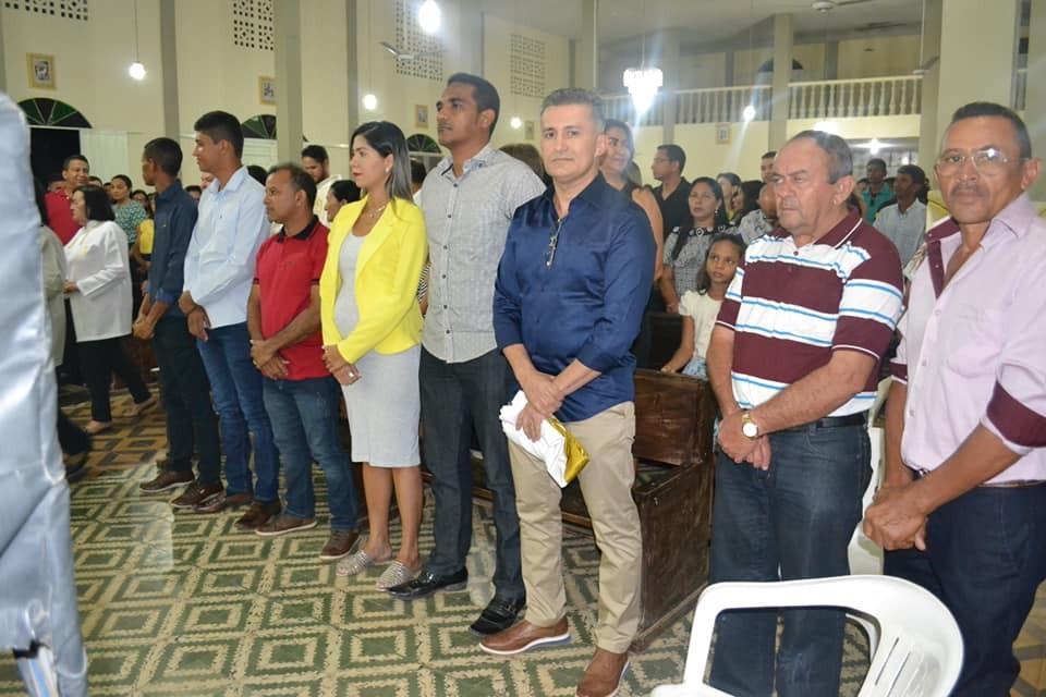 Curimatá: Valdecir Jr. participa da missa de abertura dos festejos