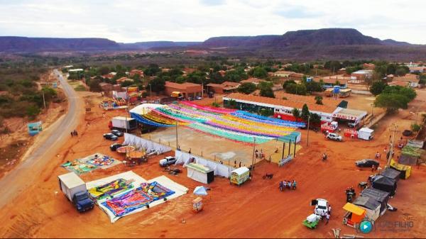 Uma mega estrutura no IV Festival Junino de Currais