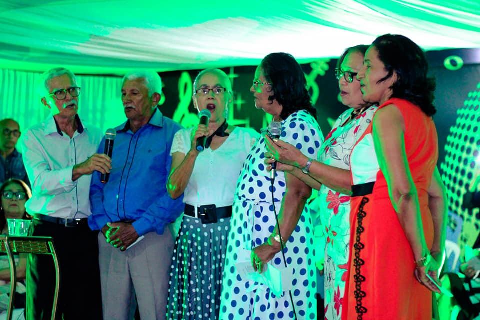 Turma de Ginasial se confraterniza 48 anos depois da formatura