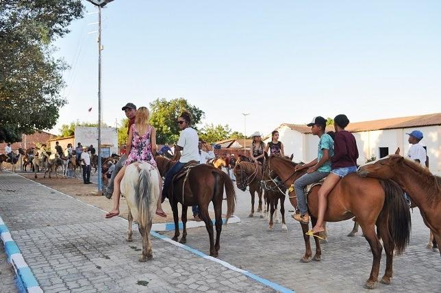 Noite dos Vaqueiros nos festejos de Avelino Lopes
