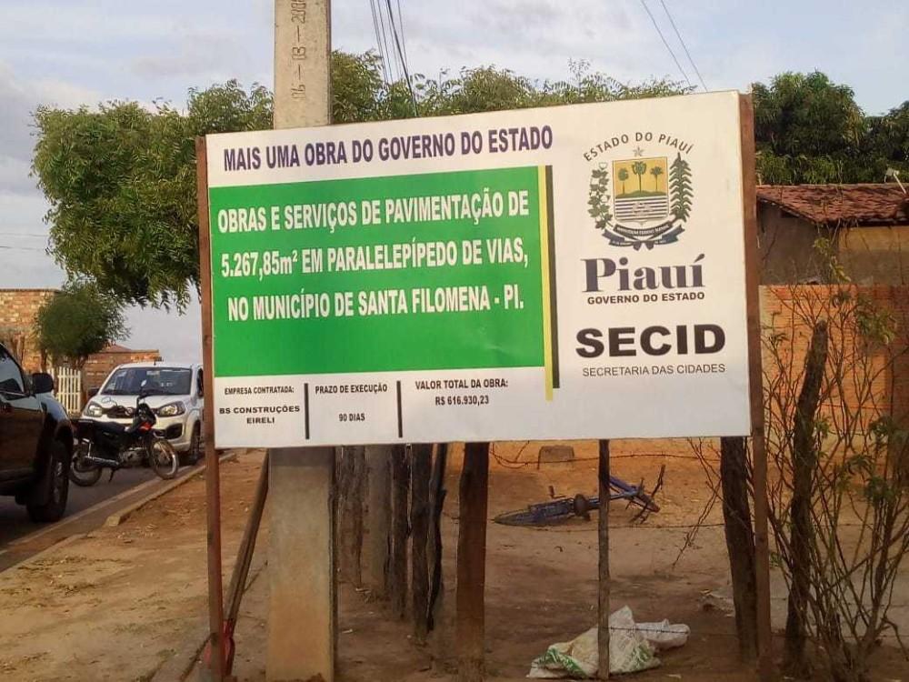 Prefeito de Santa Filomena assina ordem de serviço para pavimentação