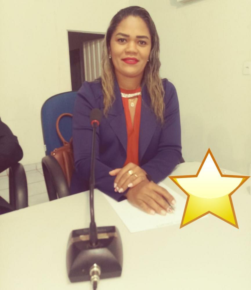 Vereadora Iara apresenta requerimento em sessão da Câmara de Gilbués