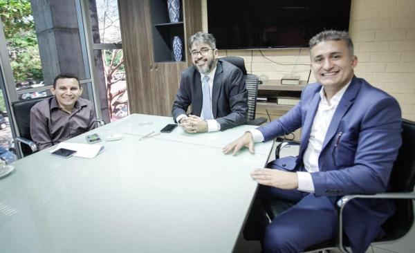 Valdecir Júnior participa de audiência com o Secretário Estadual de Educação