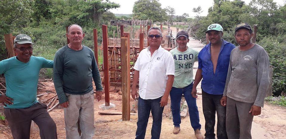 Capitão Pinheiro acompanha Luís Martins em visita a obras em Alvorada