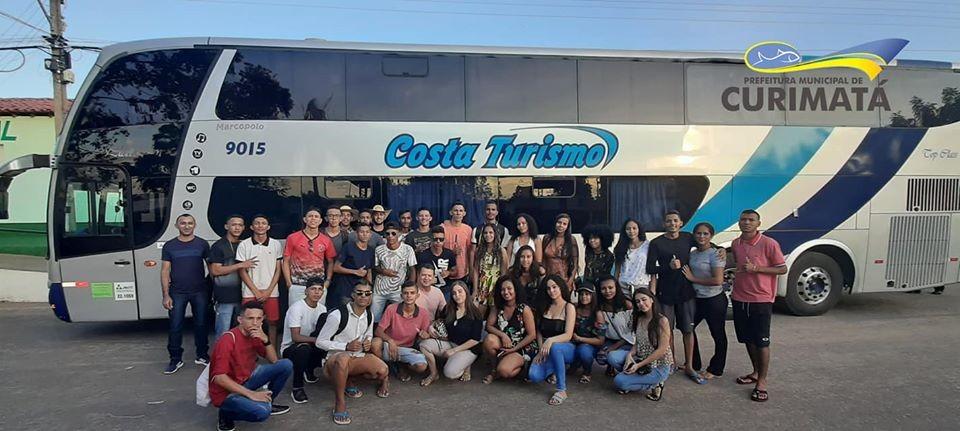 Prefeito Valdecir Jr premiou alunos para viagem ao litoral do Piauí