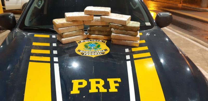 PRF apreende 15 kg de cocaína e prende traficante em Floriano