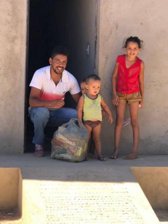 Esporte faz doação de alimentos em Santa Luz