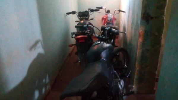 Operação da Polícia apreende motos e tv em Redenção do Gurgueia