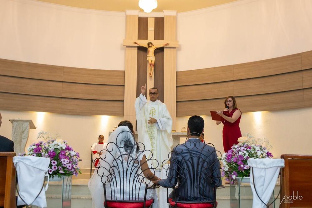 Casamento celebrado em paróquia no bairro Dirceu, Zona Sudeste de Teresina — Foto: Pablo Ferreira