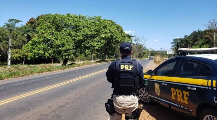 BR-135: PRF prende condutor suspeito de uso de documento falso