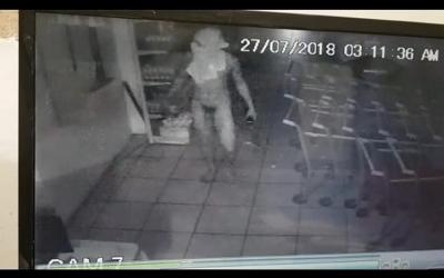 'De boa e peladão', homem furta supermercado em Oeiras