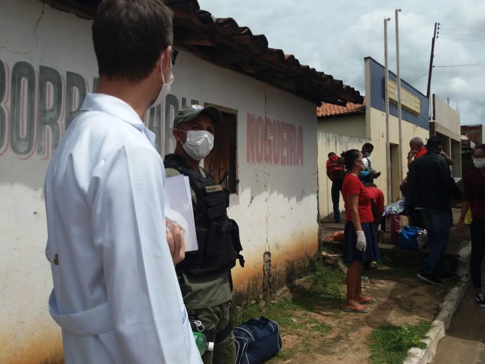 Operação de conscientização é realizada em Júlio Borges
