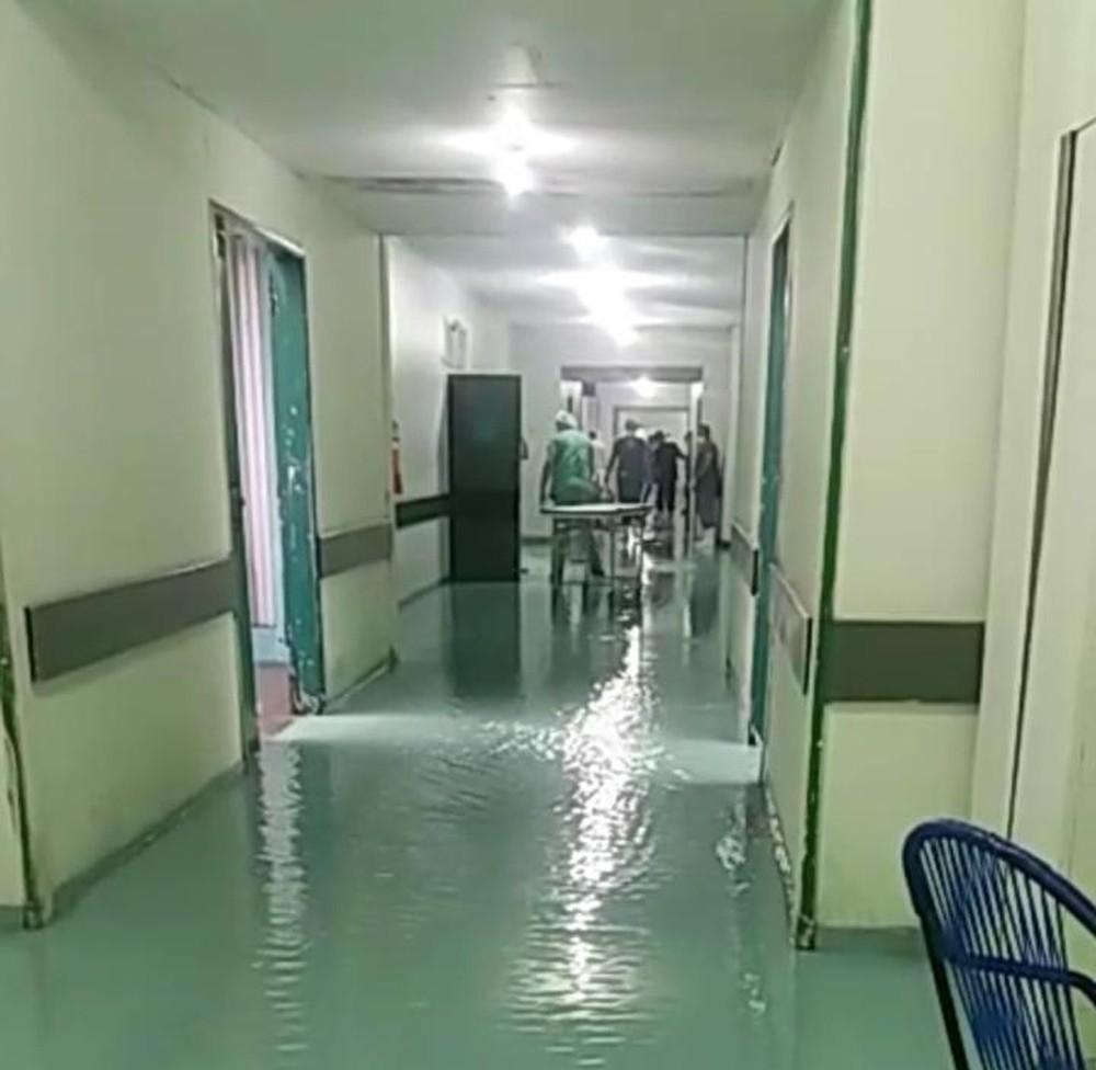 Casas desabam parcialmente e hospital alaga em Floriano