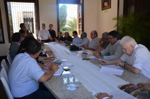 Dom Marcos e demais Bispos do PI tem encontro com os Secretários Estaduais.