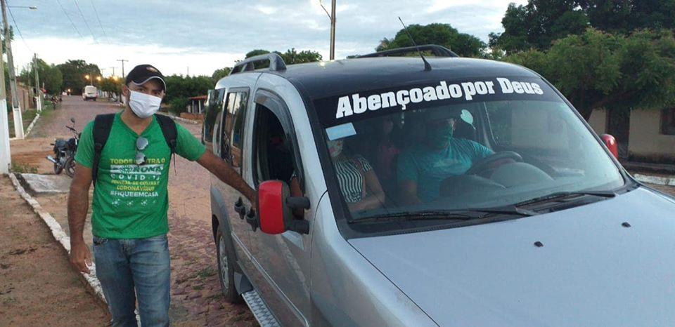Prefeitura distribui máscaras e fiscaliza transportes coletivos em Palmeira do PI
