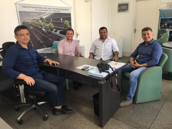 Dr. Macaxeira trata sobre conclusão e ampliação de obras de asfalto