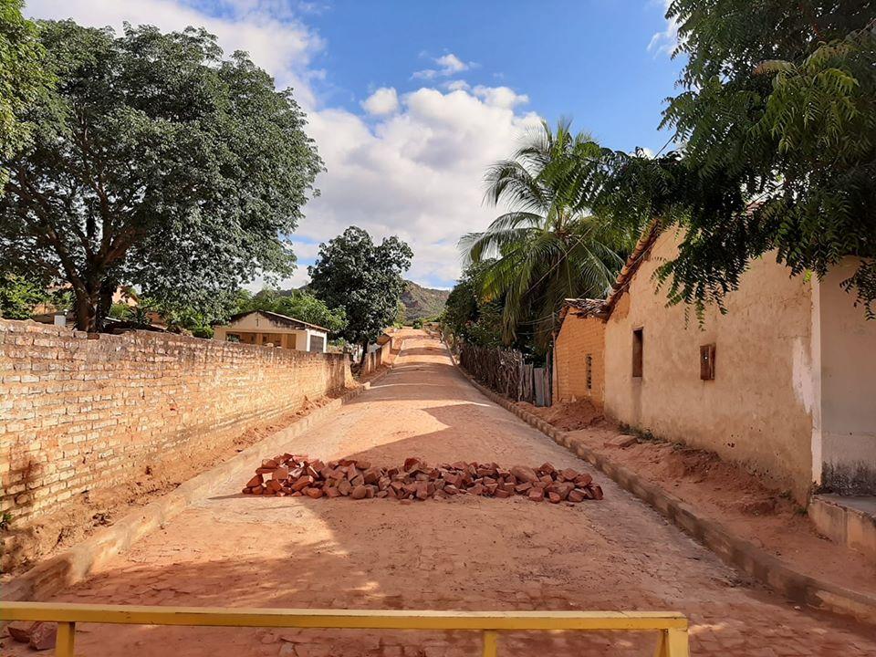 Palmeira: 1ª parte do calçamento da rua 'Brasileirinho' já está pronta
