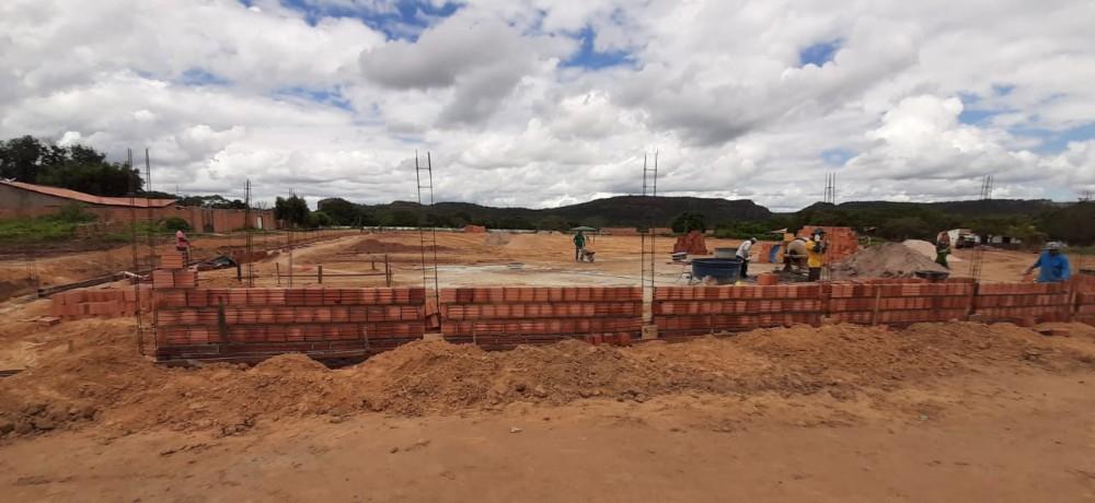 Construção do Estádio Municipal tem início em Santa Luz