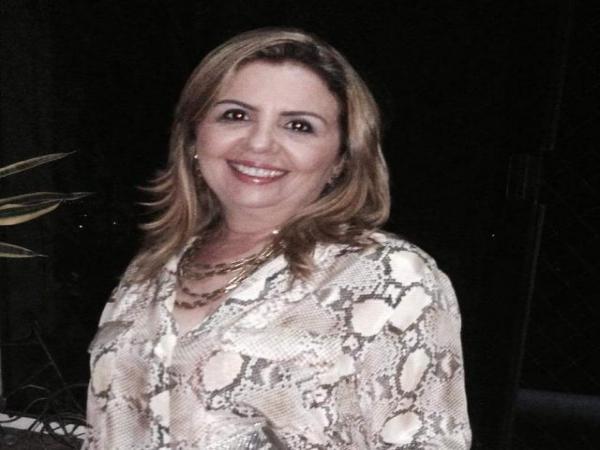 Lemna Elvas de Bom Jesus é registrada como suplente de senador