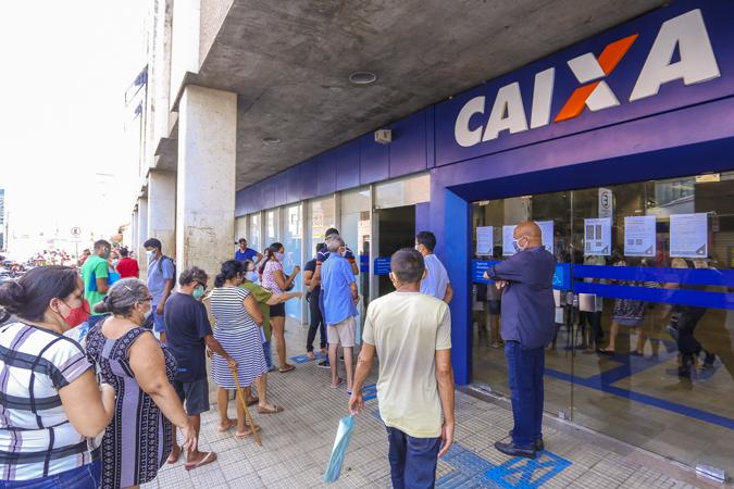 Caixa abrirá agências para saque do auxílio de R$ 600 no sábado