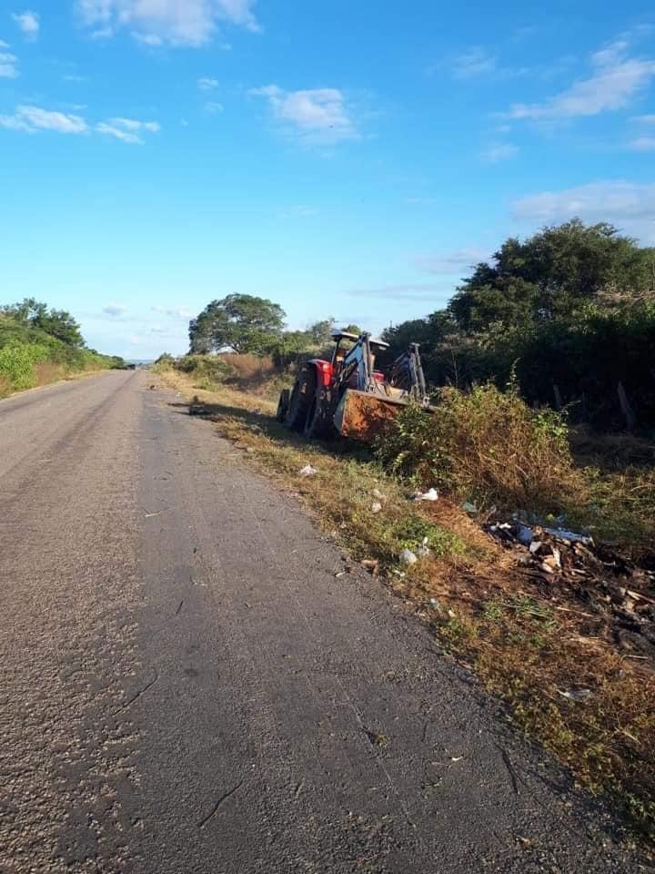 Prefeitura de Curimatá inicia serviço de roçagem da PI-255