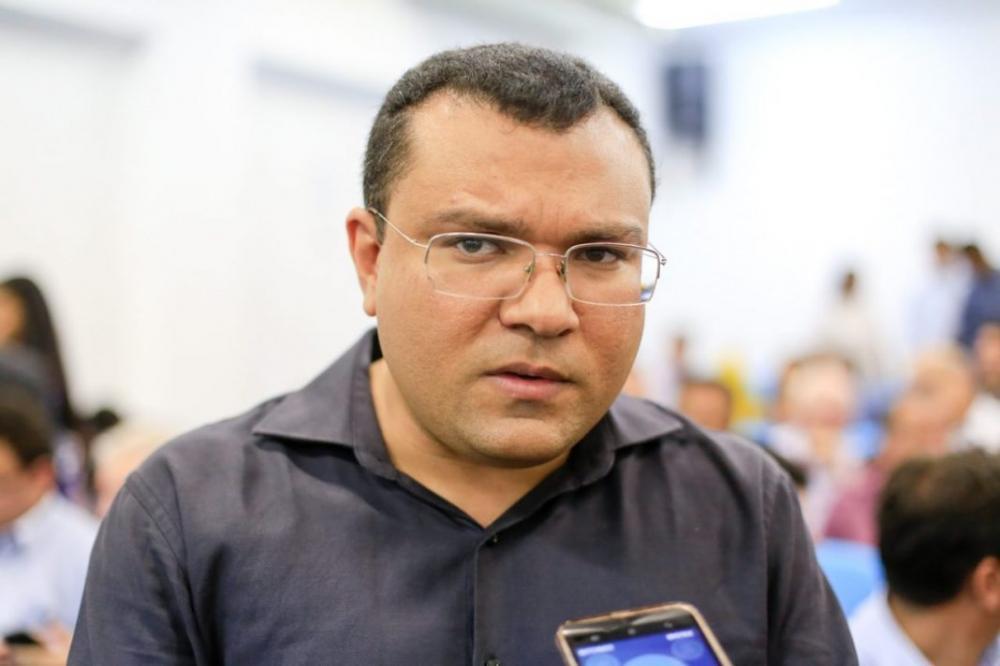 Dr. Macaxeira esclarece que licitação investigada é da gestão anterior