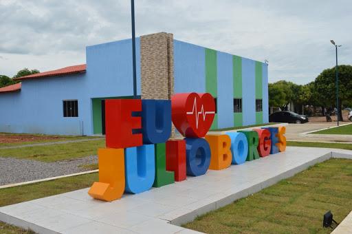 Abastecimento d'água é restabelecido em Júlio Borges