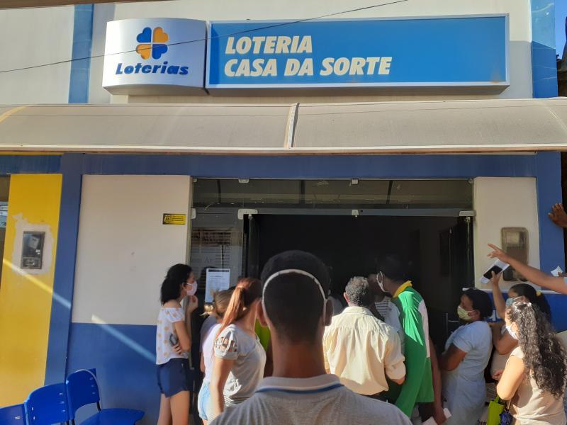 Homem é esfaqueado em fila de lotérica em Redenção do Gurguéia