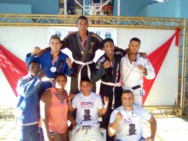 Revelando campeões, Corrente sedia campeonato de Jiu-Jitsu.