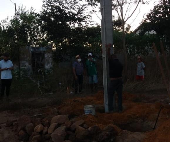Manoel Emídio: Prefeitura instala caixa d'água e realizada sonho de comunidade