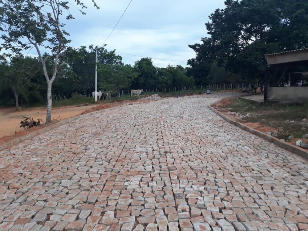 Localidades Brejo e Ingazeiras estão sendo pavimentadas em Monte Alegre