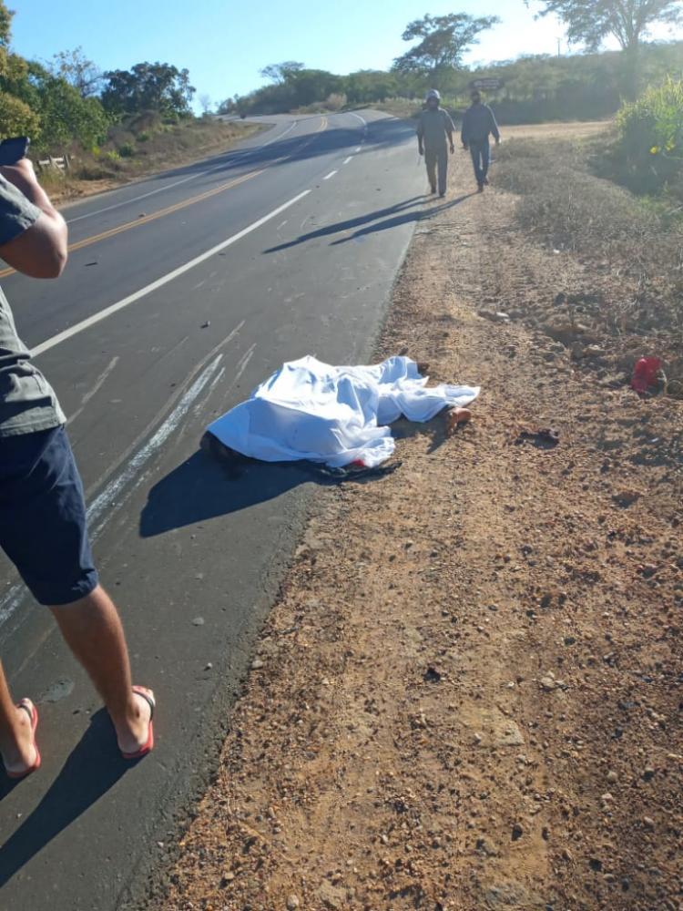 Jovem de Santa Luz morre após colidir com carreta na BR 135