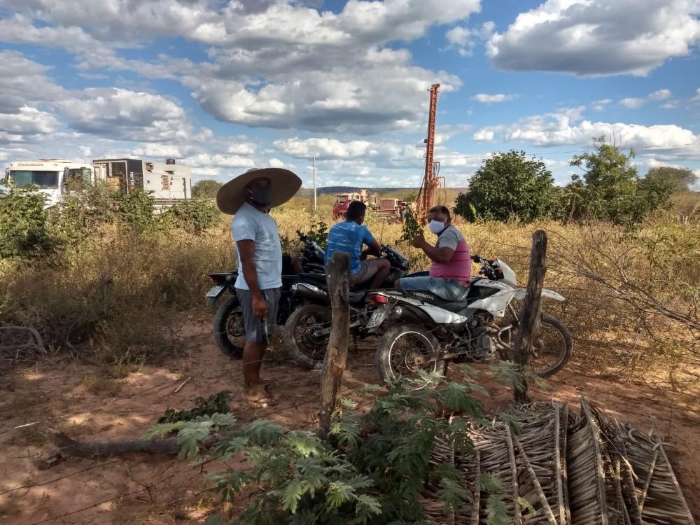 Prefeitura dá continuidade à perfuração de poços em Manoel Emídio