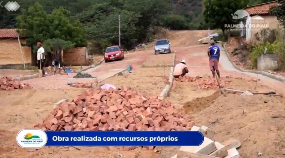 Palmeira do Piauí: Calçamento da Rua Pe. Raimundo em ritmo acelerado