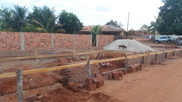 Prefeitura segue com obra de Praça no povoado Desejado