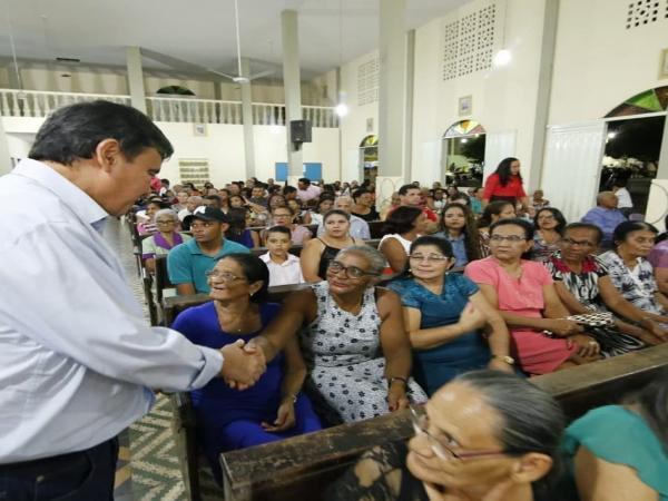 Ciro e Wellington Dias participaram de missa nos festejos de Curimatá